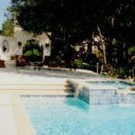 tn_1200_Custom_Designed_Pools_s.jpg